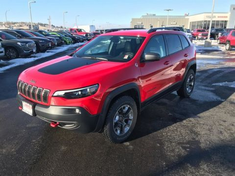 CERTIFIED PRE-OWNED 2019 JEEP CHEROKEE TRAILHAWK 4WD